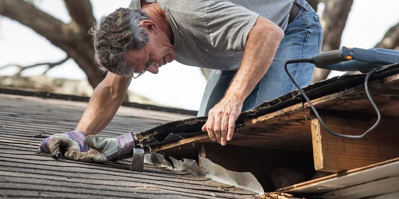Inspect Flashings on Roof for Roof Maintenance
